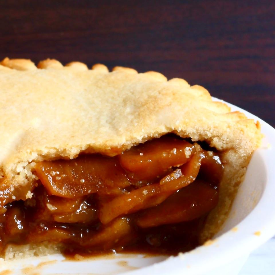 This Gluten-Free Vegan Apple Pie has a crispy, flaky crust and is loaded with juicy, caramel-flavoured apples subtly spiced with toasty cinnamon. The pastry is not chewy, crumbly or dry, you don't need to pre-bake the crust, and the dough doesn't require chilling beforehand. It's also refined sugar free!